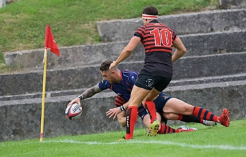 Ben McGowan goes over for a Services try against Cullompton (picture by Mark Andrews)