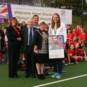 VIDEO: Olympic hockey gold medallist 'overwhelmed' on her return to PlymouthMarjon