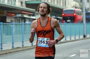 GALLERY: Andrews continues his good form to win Plymouth 10k