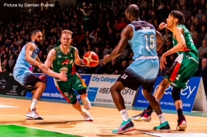 Raiders bounce back in style at home to SurreyScorchers