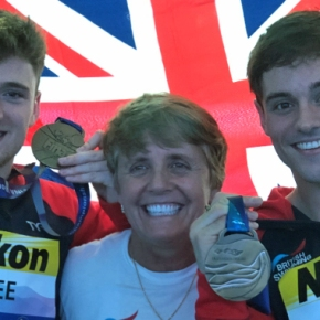 Daley finally gets his hands on a World Championship men's synchro medal