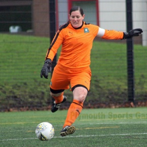 Argyle Ladies look for vital win at Oxford United to keep in title race