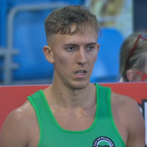 Plymouth hurdler King retains his British title in style inManchester