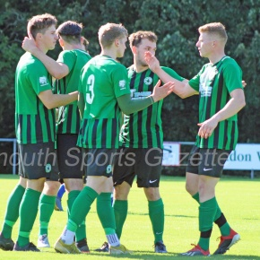 GALLERY: Pictures from Ivybridge Town vElmore